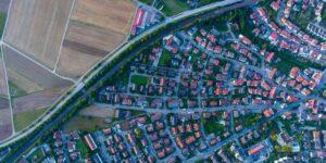 Luftbild Ortschaft und Landschaft